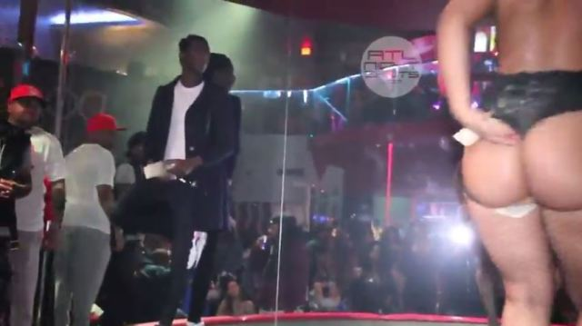 "Damn Young Thug Hits Stripper ""Maliah Michel"" With A ""Get The F@ck Out My Face"" In The Club!"